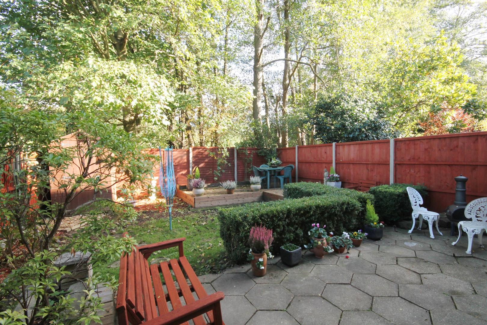 FULLY ENCLOSED GARDEN